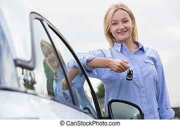 γυναίκα , κλειδιά , αυτοκίνητο , οδηγός , νέος , επόμενος , κράτημα , όχημα