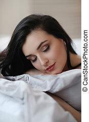 γυναίκα , κρεβάτι