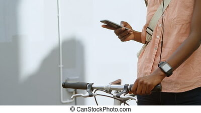 γυναίκα , με , ποδήλατο , χρησιμοποιώνταs , ευκίνητος...