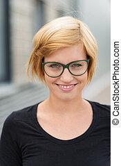 γυναίκα , νέος , ελκυστικός , ξανθή , χαμογελαστά , γυαλιά
