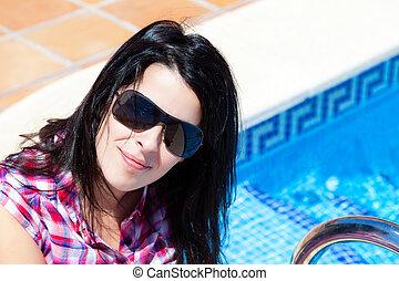 γυναίκα , νέος , κολύμπι , ανέμελος , κερδοσκοπικός συνεταιρισμός , ευτυχισμένος