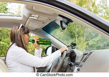 γυναίκα , οδήγηση , αυτήν , αυτοκίνητο , οδηγός , πόσιμο
