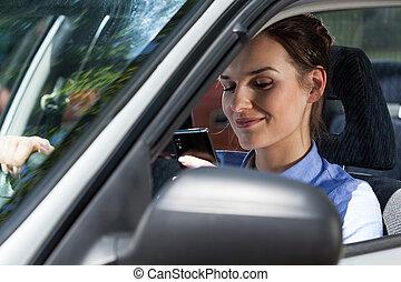 γυναίκα , οδήγηση , κινητός , αυτοκίνητο , texting , τηλέφωνο , κατά την διάρκεια