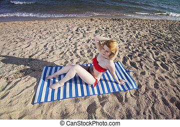 γυναίκα , παραλία