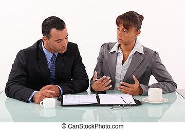 γυναίκα , συνάντηση , αρμοδιότητα ανήρ