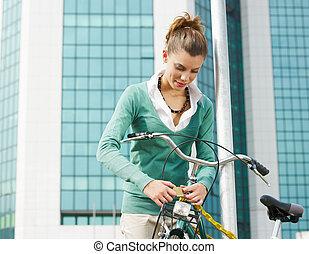 γυναίκα , ταξιδεύων με εισητήριον διάρκειας