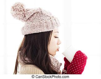 γυναίκα , χειμώναs , πίνω , νέος , ζεστός , έχει , ρούχα