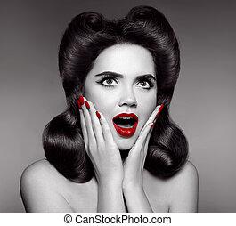 γυναίκα , nails., καρφίτσα , expression., ανάμιξη. , αμπάρι , βόστρυχος , πάνω , έκπληκτος , αναίδεια , χείλια , retro , μανικιούρ , κορίτσι , κόμικς , εκπληκτική επιτυχία , κόκκινο , hairstyle.