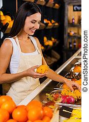 γυναίκα , paradise., ποδιά , εργαζόμενος , ανταμοιβή , φρούτο , νέος , φόντο , ποικιλία , κατάστημα , λαχανικά , όμορφος