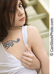 γυναίκα , tattoo., νέος