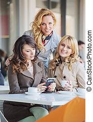 γυναίκεs , πόσιμο , θαυμάσιος , καφέs , τρία
