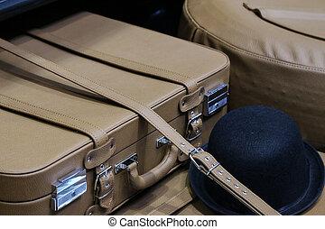 δέρμα , αυτοκίνητο , βαλίτσα , γριά , κιβώτιο