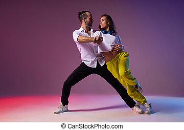 δίνω παράσταση , όμορφος , ζευγάρι , expression., χορεύω , latino