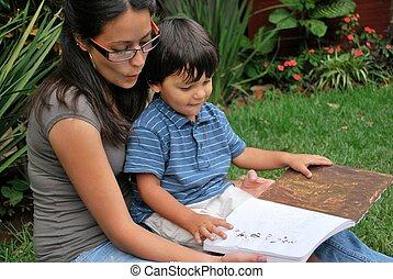 διάβασμα , ισπανικός , μητέρα , νέος , υιόs