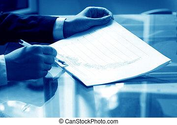 διαβάζω , αναφορά , οικονομικός