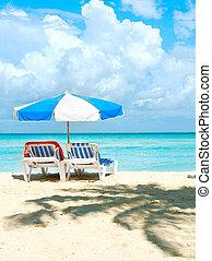 διακοπές , και , τουρισμός , concept., sunbeds, στην παραλία