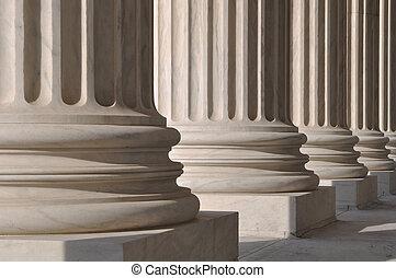 διακοσμώ με κολώνες , από , νόμοs , και , δικαιοσύνη