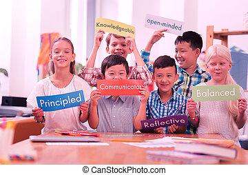 διαφορετικός , γραφικός , adjectives., ιπποδρομίες , κράτημα , παιδιά