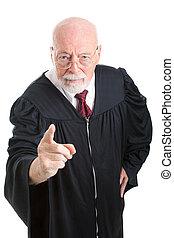 δικαστήs , αυστηρός , - , κατσάδα