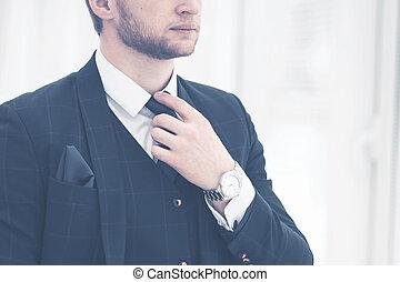 δικός του , αρχάριος , επιχείρηση , ευθυγραμμίζομαι , επιχειρηματίας , προσεκτικός , παράθυρο , κουστούμι , δένω , ακουμπώ