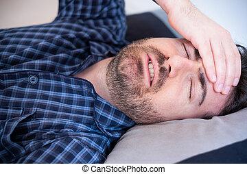 δικός του , κρεβάτι , κοιμάμαι , σπίτι , πρόβλημα , άντραs
