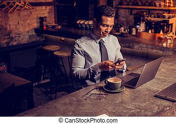 δικός του , μπαρ , texting , χρόνος , freelancer , αναμονή , αυτόν , φίλοs