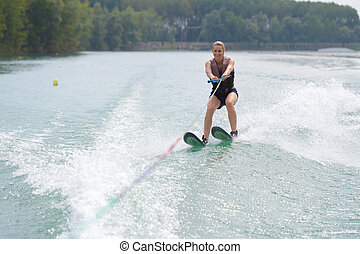 δράση , waterskiier