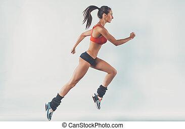 δραστήριος , επιδεικτικός , νέος , τρέξιμο , γυναίκα , δρομέας , αθλητής , με , αντίγραφο απειροστική έκταση , πλαϊνή όψη , γενική ιδέα , αγώνισμα , υγεία , καταλληλότητα , απώλεια , βάροs , cardio , εκπαίδευση , σπρώχνω , προπόνηση , wellness.
