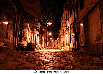 δρόμοs , γριά , νύκτα