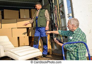 δυο , εισηγητής , φορτίο , βαγόνι αποσκευών , με , έπιπλα , κουτιά