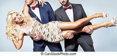 δυο , ζάλισμα , άντρεs , γυναίκα , κομψός , caryying