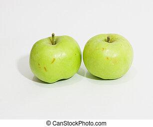 δυο , μήλο