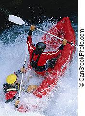 δυο , kayakers , κωπηλασία , μέσα , καταρράκτης , (selective, focus)