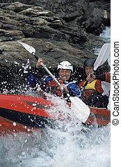δύο άνθρωποι , αναδευτήρας , inflatable , βάρκα , κάτω , καταρράκτης