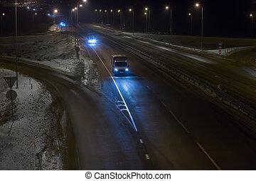 εθνική οδόs , άμαξα αυτοκίνητο , χειμώναs , ανοικτή φορτάμαξα , νύκτα