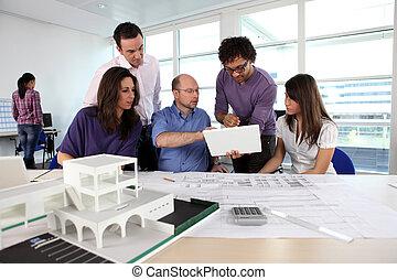 εμπορικός οίκος , αρχιτέκτονας