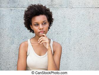 ενήλικος , σκεπτόμενος , αμερικανός , αφρικάνικος γυναίκα , νέος