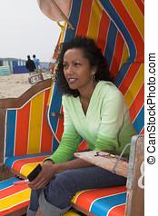εξαίσιος γυναίκα , απολαμβάνω , παραλία