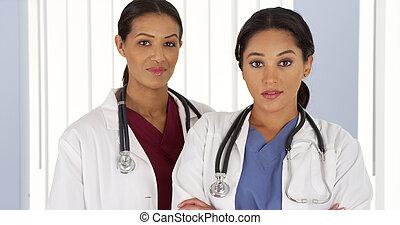 επαγγελματίες , ιατρικός , δυο , γυναίκα , πορτραίτο , νοσοκομείο