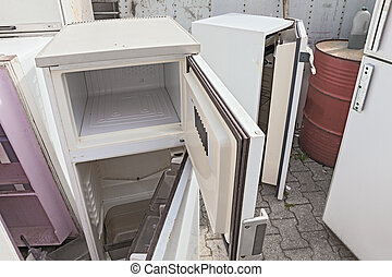 επικίνδυνα απόβλητα , ψυγείο , σκουπιδότοπος