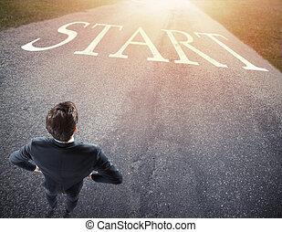 επιχειρηματίας , έτοιμος , να , ακολουθώ , ένα , καινούργιος , way., γενική ιδέα , από , αρχή , ένα , καινούργιος , career.