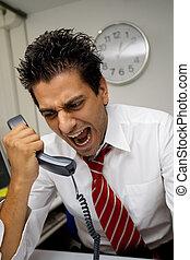 επιχειρηματίας , θυμωμένος