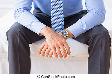 επιχειρηματίας , κρεβάτι , κάθονται