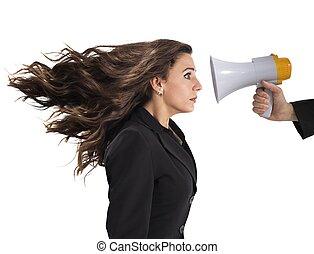 επιχειρηματίαs γυναίκα , έντρομος , αιτίαση