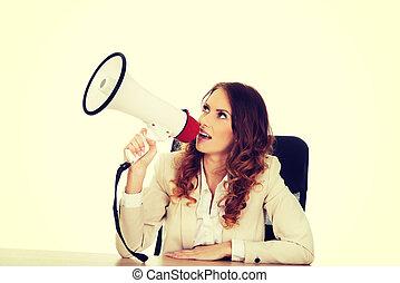 επιχειρηματίαs γυναίκα , desk., μεγάφωνο