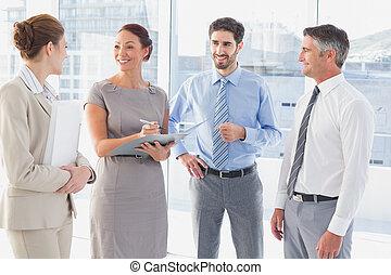 εργαζόμενος , έχει , ένα , επαγγελματική συνάντηση