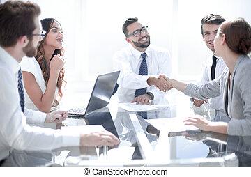 εταίρος , επιχείρηση , συμπέρασμα , χειραψία , συναλλαγή