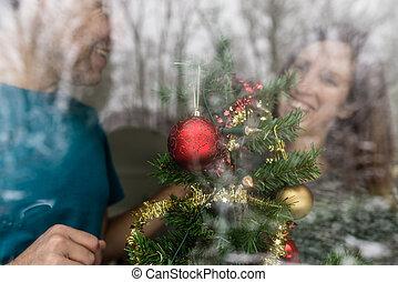 ευτυχισμένος , ανώριμος ανδρόγυνο , βάφω διακοπές χριστουγέννων αγχόνη