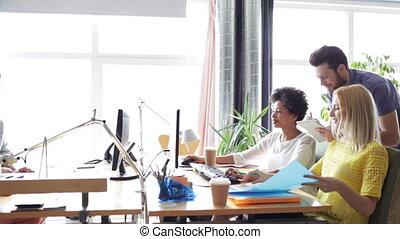 ευτυχισμένος , ζεύγος ζώων , υπολογιστές , γραφείο ,...