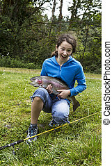ευτυχισμένος , κορίτσι , ψάρεμα